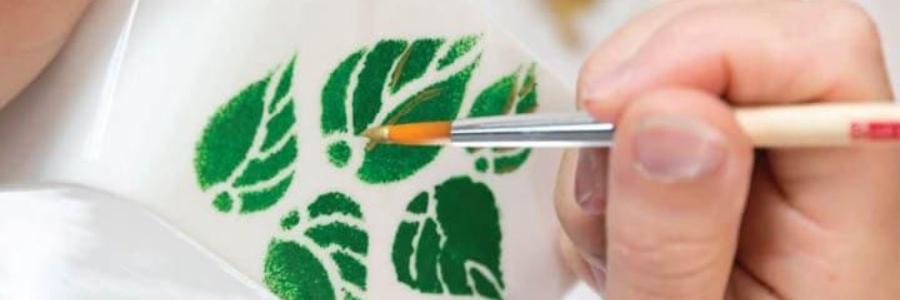 Pintar vidro à mão, passo a passo